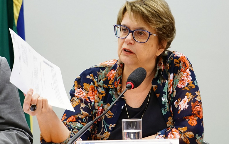 Margarida Salomão contra cortes nas universidades