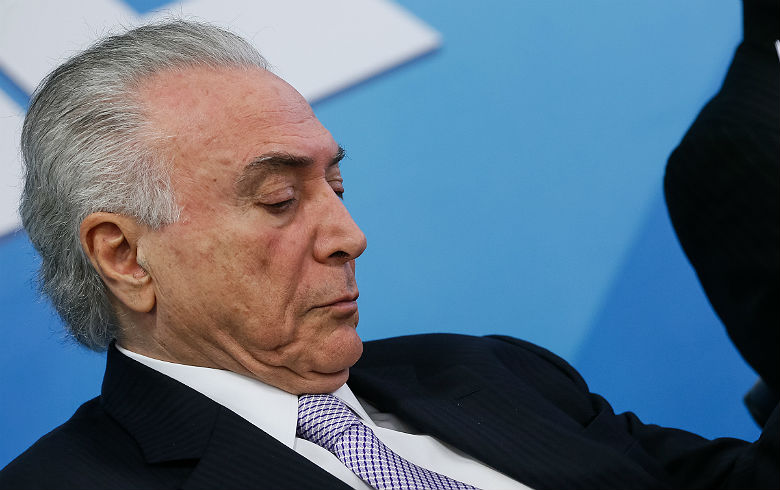 Temer Capes