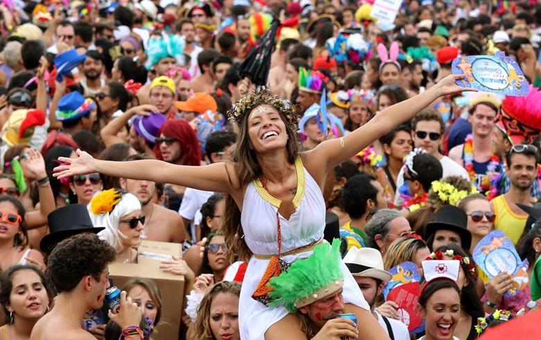 Mulheres no Carnaval: 4 dicas para curtir com segurança | foto: Reprodução
