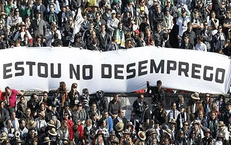 """""""Economia brasileira vive uma depressão"""", diz economista da UFRJ"""