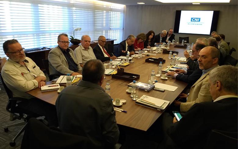Centrais e CNI retomam conversas em busca de uma 'agenda de desenvolvimento'