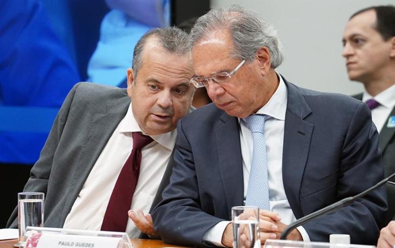 Governo fará proposta de cinco novas NRs, afirma secretário, que fala em 'empecilhos'
