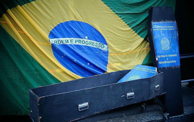 Brasil pós-golpe vira um dos dez piores países do mundo para o trabalhador