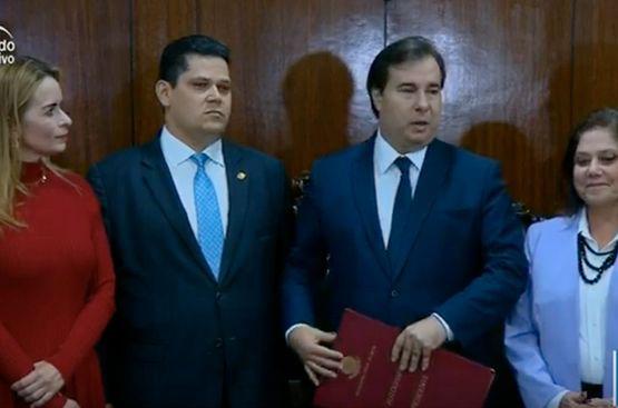 Resultado de imagem para Política Reforma da Previdência chega ao Senado