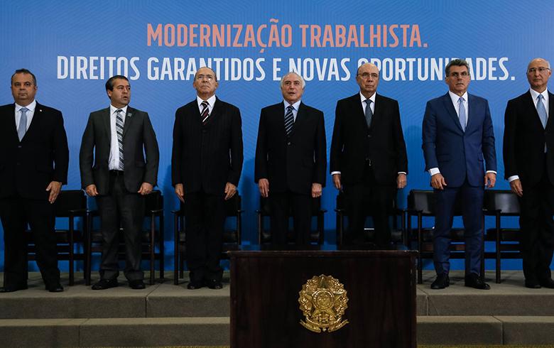 'Reforma' trabalhista: a história de uma falsa promessa e as mudanças da 'destruição sem fim'