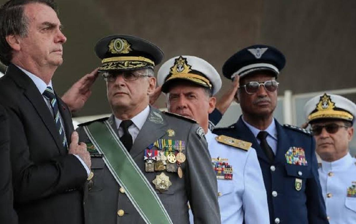 Resultado de imagem para militares no governo bolsonaro 2020