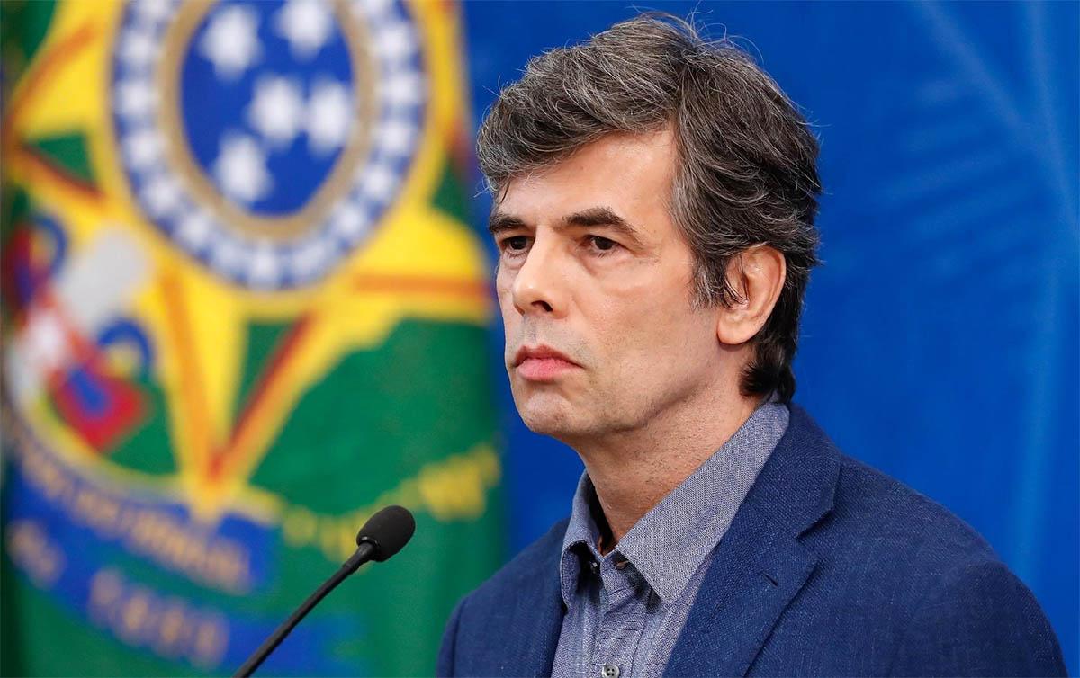 Missão do novo ministro da Saúde é salvar Bolsonaro, não o Brasil