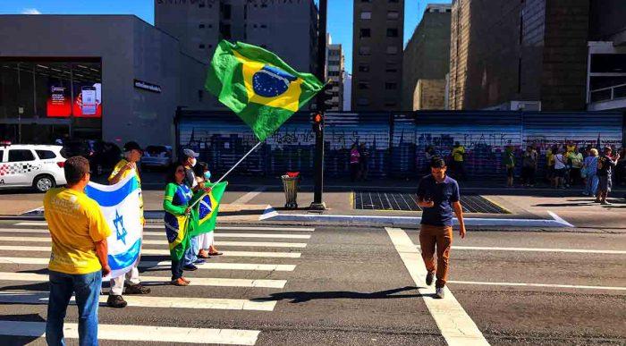 Pastores criticam jejum convocado por Bolsonaro contra a covid-19
