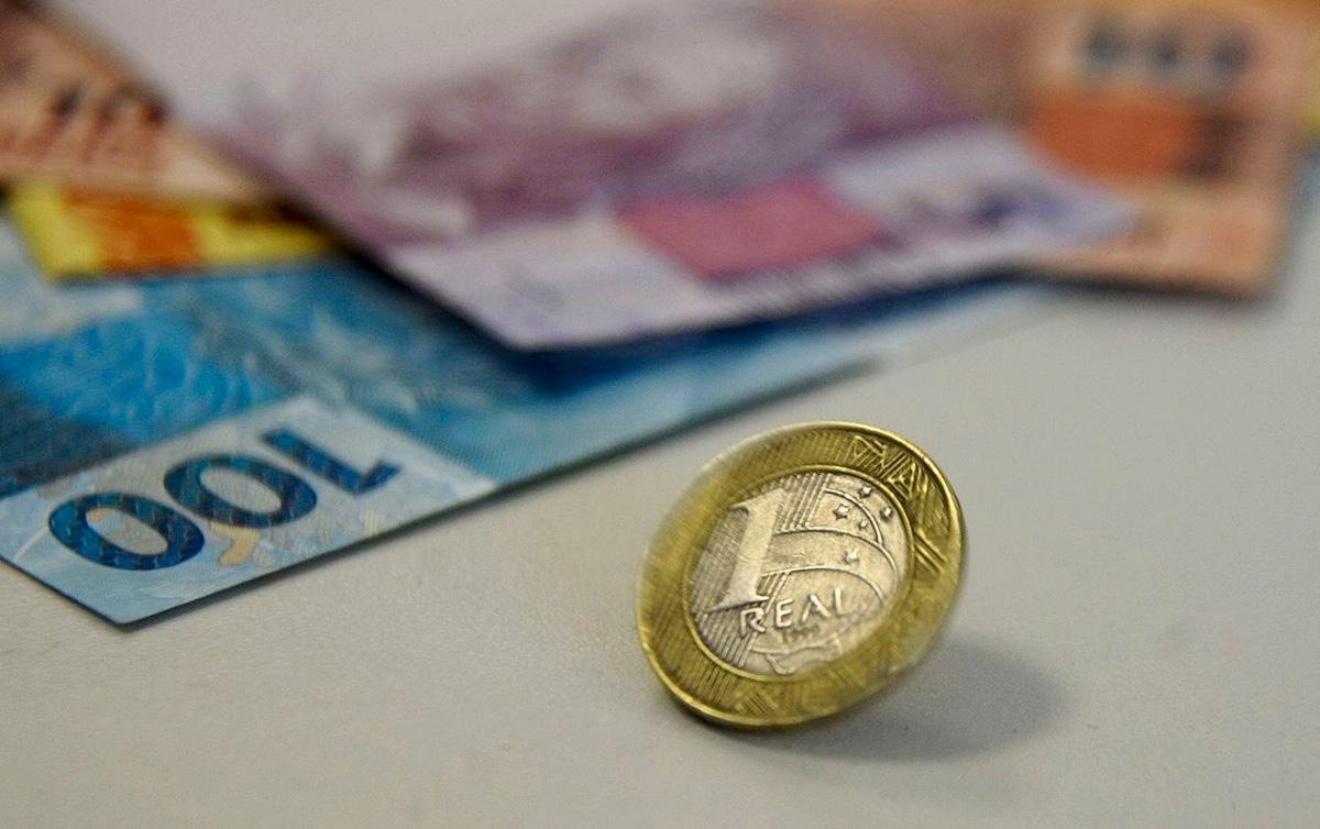 Belluzzo defende impressão de dinheiro para enfrentar 'pandemônio ...