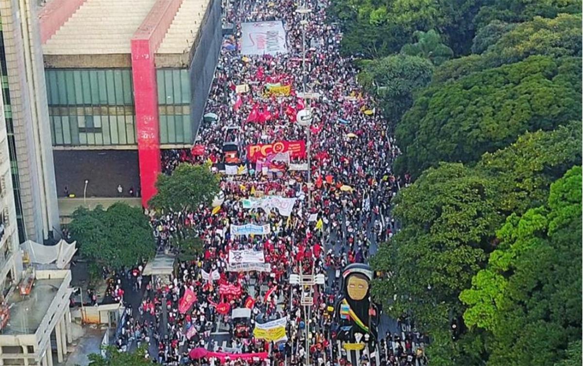 Manifestações mostram à sociedade que existe resistência, diz Roberto Amaral